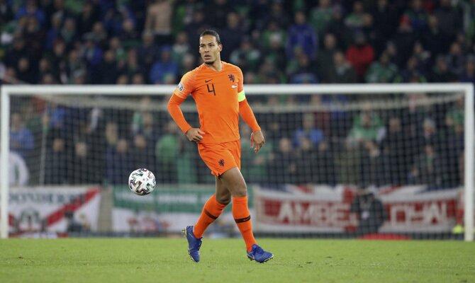 Virgil Van Dijk Holanda vs Polonia