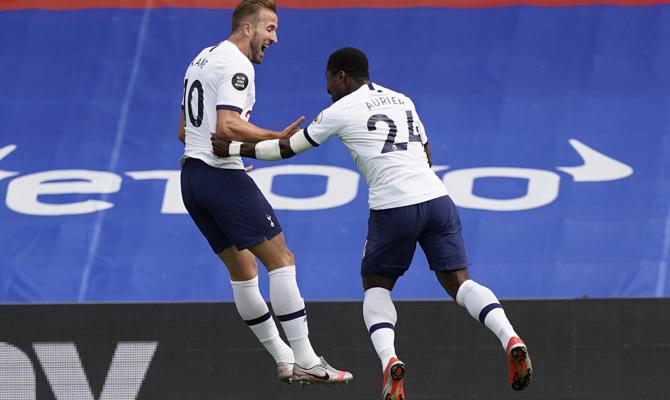 Harry Kane y Serge Aurier, Tottenham vs Everton
