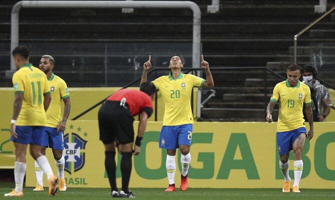 Roberto Firmino Perú vs Brasil