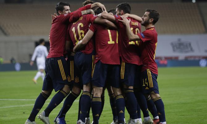 Los jugadores de La Roja esperan cantar goles para cumplir con las cuotas del España vs Grecia de las Eliminatorias Europeas