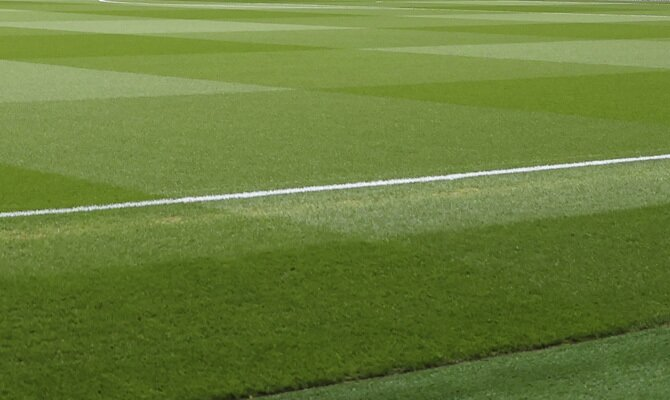El terreno de juego en, la imagen, está listo para el Peñarol vs Sport Huancayo. Revisa las cuotas