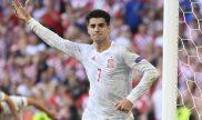 Álvaro Morata llama a sus compañeros para celebrar un gol. Cuotas Euro 2020, Italia vs España.